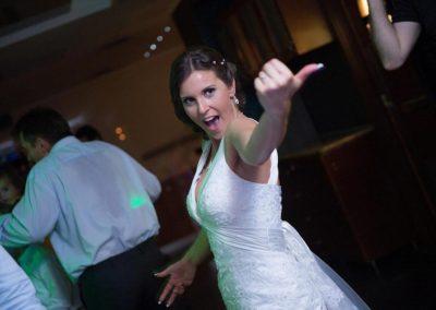 esküvő dj tánc az esküvőn