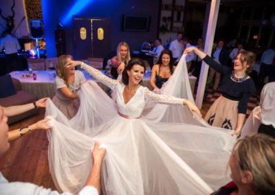menyasszony esküvőidj retro buli