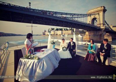 szertartás anyakönyvezetővel-Esküvői ceremónia hangosítás,www.eskuvoidj.com